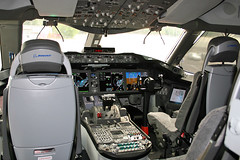 Boeing 787 Dreamliner - the first visit to Poland. (Corsarz) Tags: plane poland polska warsaw boeing warszawa livery 787 okęcie firstvisit lotnisko samolot malowanie dreamliner