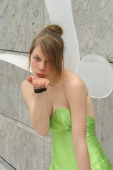 Tinkerbell / Fee Clochette, Peter Pan (cosplay shooter) Tags: portrait anime closeup comics costume comic cosplay manga tinkerbell tinkerbelle peterpan leipzig elfe fairy convention cosplayer 2008 rollenspiel buchmesse bookfair roleplay lbm clochette feclochette 3000z leipzigerbuchmesse 2500z feeclochette x201207