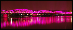 Hu en rose (coolground) Tags: bridge pink reflection water night lights vietnam 2008 hu trangtienbridge nikond40