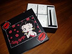 caixa de bijuterias da Betty Boop (Atelier Denise Fernandes) Tags: painting artesanato madeira pintura mdf decoupage decorativepainting pinturaemmdf decoupageemmdf