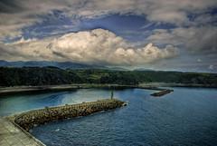 La bocana del puerto (Ariasgonzalo) Tags: paisajes mar asturias colores nubes cielos hdr luarca puertos bocana marcantbrico photoshopcreativo