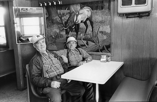 wisconsin restaurant cafe mural duo arena leicam2 shaklee oldsilver meninplaid