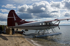Otter at Courageous (Jason Pineau) Tags: lake canada airplane nt aircraft aviation flight nwt otter northwestterritories turbine seaplane turboprop floatplane courageous dehavilland dhc3 airtindi cfzdv