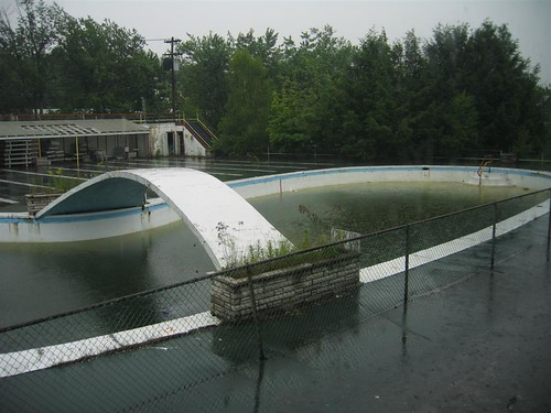 Concrete arch over the outdoor pool