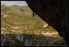 . (Laurent Filoche) Tags: spain nikon rockclimbing escalade lasventanas sierradeguara rodellar notcropped unknownclimber bonzography outdoorportfolio acravita8a