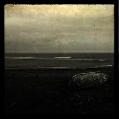 mare nostrum (Filippo Giansanti) Tags: texture barca mare spiaggia maredinverno filippogiansanti
