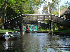 100_0033 72 dpi (Dick Aalders) Tags: giethoorn varen fluisterboot herfstvakantie