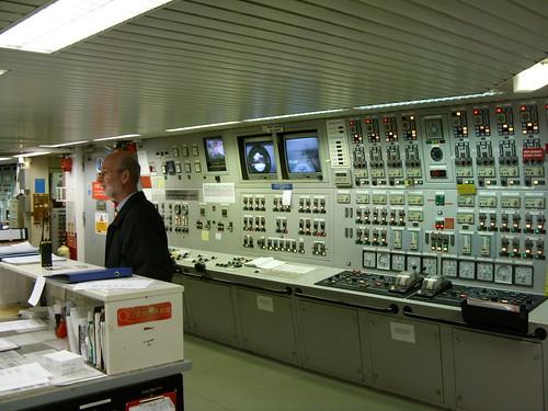 QE2 Engine Control Room 3027291681_1d80e801a2