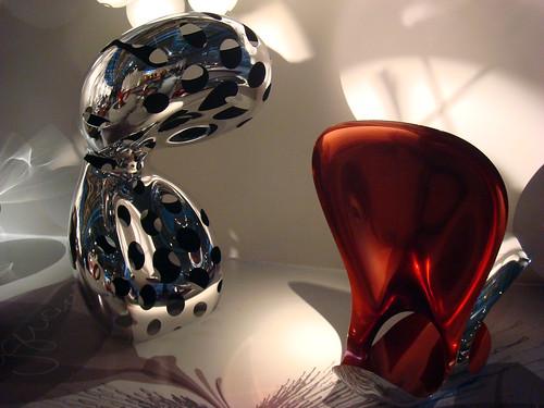 כורסאות של רון ארד ברטרוספקטיבה בפומפידו. צילום: יובל סער