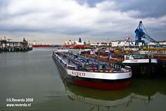 Small and big (sjoerd_reverda) Tags: lion mobil bow stores rhine esso chemical tankers exxon grote vopak barges vaart botlek binnenvaart odfjell
