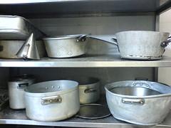 Noche en el chateau...... (afranguinha) Tags: france grey pots chateau pans panelas afranguinha grandromaine