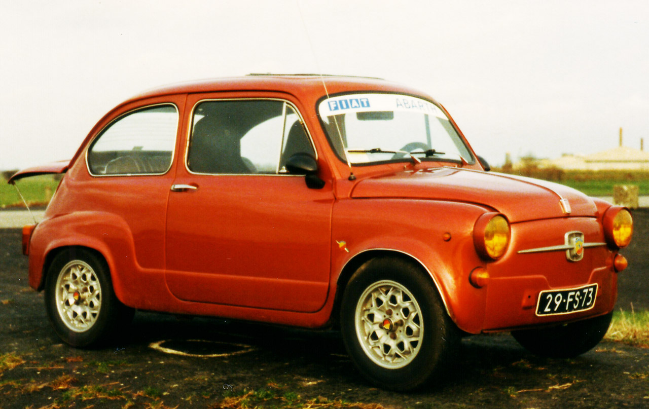 Tiny Terror (ABARTH 600)