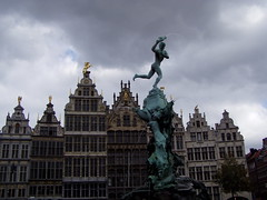 Markt, Antwerpen (twiga_swala) Tags: plaza city fountain buildings square bravo place belgium market style grand mercado belgian antwerp markt flemish brabo antwerpen amberes anvers flanders vlaanderen
