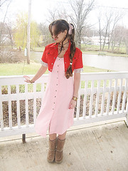 Aerith Gainsborough (VictoriaCosplay) Tags: pink red hearts cosplay lola kingdom videogame finalfantasy ff7 finalfantasyvii aeris aerith finalfantasy7 adventchildren aerithgainsborough crisiscore cosplaygirl victoriacosplay