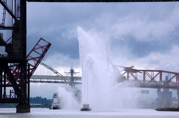 navy_fireboat_bridges