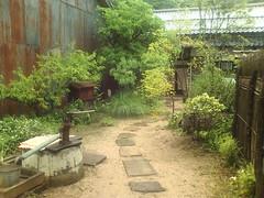 http://farm4.static.flickr.com/3041/2595625924_ffd633ee40_m.jpg