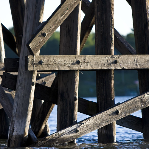 bridge summer minnesota wooden decay structure boating beams lakeminnetonka 20080629 cgg1508 crv1523