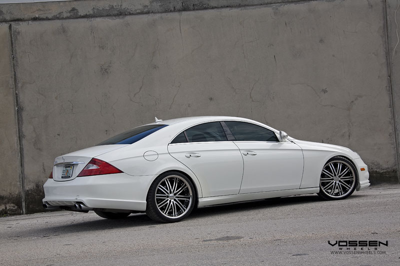 Mercedes Benz CLS 550 on 20x9 and 20x10.5 Vossen VVS082 Black Machined