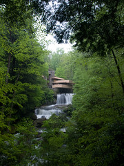 Falling Water (Emon) Tags: travel usa building green nature water beauty architecture frank design waterfall pennsylvania famous icon lloyd wright iconic fallingwater ohiopyle dpsgreen