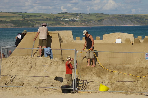building the worlds first sand hotel