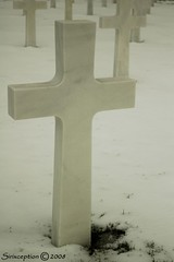 To hot or to cold? (sirixception) Tags: winter cold grave graveyard stone war belgium belgique wwii belgi ww warmemorial wo luik henrichapelle steen lige belgien woii kerkhof sculptureawards bej abigfave diamondclassphotographer flickrdiamond brillianteyejewel
