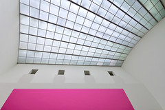 Four Windows And A Pink Wall (Philipp Klinger Photography) Tags: pink windows light art wall museum architecture modern germany deutschland hessen angle pov frankfurt kunst perspective ceiling der philipp hesse mmk klinger modernen of dcdead