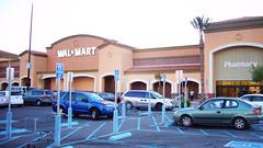 Wal-Mart 什麼都賣! (by Roca Chang)