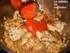 Conejo con pasta-añadir tomate