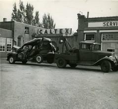 Hulten NBr. Takelwagen Garage G.H.Veroude 1956 (Arthur-A) Tags: auto cars netherlands car accident garage nederland brabant caltex hulten noordbrabant nbr takelwagen veroude