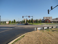new roads and other infrastructure cost more in sprawl (by: Urban Review STL, creative commons license)