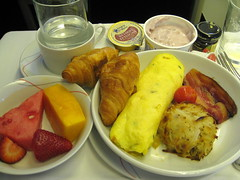 Breakfast (Σταύρος) Tags: uk greatbritain vacation england holiday london fruit breakfast manchester bacon potatoes britishisles unitedkingdom britain watermelon gb eggs boeing melon londra rtw 747 vacanze lhr airfrance b747 1933 747400 businessclass roundtheworld londinium globetrotter londonist 083 mashpotatoes worldtraveler worldbusinessclass skyteam constitutionalmonarchy lespaceaffaires bradrord republicancommonwealth