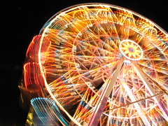 It keeps spinning... (carol linden) Tags: longexposure wheel braslia availablelight noturna ferriswheel amusementpark rodagigante longaexposio lighttrail observationwheel nicolndia oldbutistillloveit