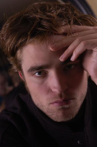 Robert Pattinson by rrobertpattinson.
