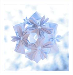kusudama or snow flowers (steffi's) Tags: paper origami craft modular papel handicrafts papier carta papercraft modules modularorigami 折紙 おりがみ kusudama くすだま 折り紙 falten くす玉 flowerball uniformpolyhedron かみ 纸的 basedonicosahedron flowerkusudama