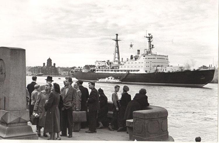 Атомоход Ленин, Ленинград 1959г.. Фотограф Б.Вдовенко