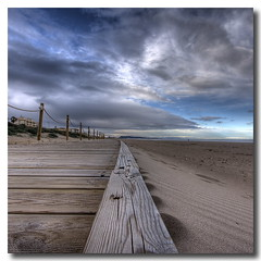 Textures (Vicent de los Angeles) Tags: wood sea beach valencia clouds canon eos mar spain madera sand footbridge playa arena nubes pasarela hdr canonefs1022mm photomatix xeraco 40d mywinners skycloudssun