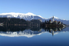 Bled lake, Slovenia (mirci) Tags: lake alps castle landscape europe eu slovenia bled 2009 julianalps glacierlake gorenjska bledcastle bledlake pletna mirci mirjanapapez gorenjskaregion