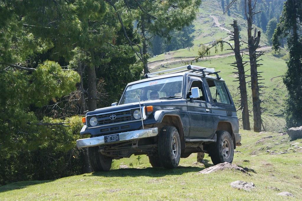 Muzaffarabad Jeep Club Trip to Pirchanasi - 5704688330 f8f5e5be95 b
