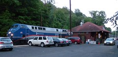 Branchville CT Station (caboose_rodeo) Tags: 8866 metronorthrailroad danburyline addtotrains