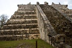 Chichen Itza -55 (Nizam Uddin) Tags: mexico temple ruins yucatan chichenitza mayan quetzalcoatl nizam thecastle elcastillo uddin kukulkan chichnitza nizamuddin nizamsphoto