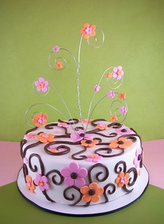 Funky pink & orange flowers cake