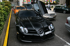 Mercedes Benz SLR Mclaren 722 Edition (maikeldenneijsel) Tags: auto park england orange black slr tower cars love canon photography eos rebel mercedes photo dubai driving colours britain united great clr kingdom automotive harrods mclaren f 600 28 manual 500 sheraton coupe m5 cl av londen lumma 17mm 722 xti 400d