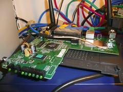 リンクシス(Linksys)社のワイヤレス・ルータ 「WRT54G」の全容