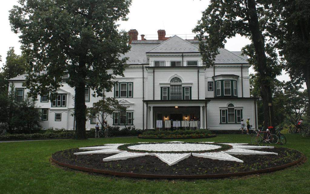Twin Oaks Estate (Rear)