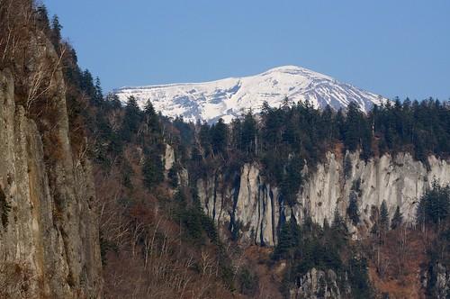 天人峡から見上げた旭岳