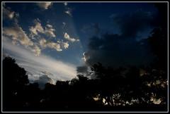 Sombras en el cielo. (Doc Albores) Tags: sky méxico cielo nubes durango picnik lalaguna lerdo comarcalagunera docalbores