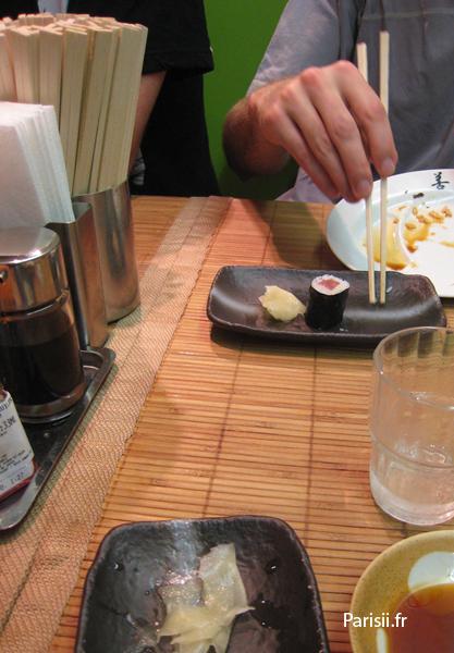 maki sauce augre douce et baguettes