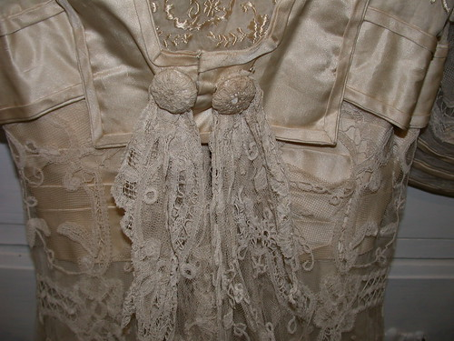 Keywords vintagelouie vintage gown Brussels gown lace train