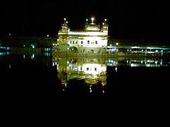 Golden Temple Nightime (satgurhoyedayaal) Tags: india night sikh punjab amritsar sikhism punjabi northindia sarowar