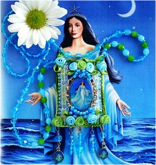 Iemanj, Rainha do Mar (Lidia Luz) Tags: necklace beads handmade embroidery crochet jewelry felt bijoux bijuteria feltro cristal colar iemanj bijouteria croch